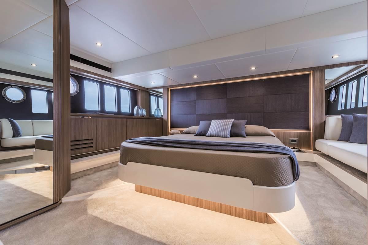 52 FLY - Interiors