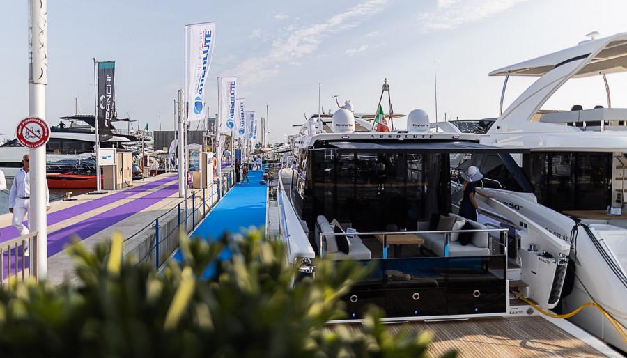 Absolute a Cannes: Premi per la Generazione 2022 e per i top Dealer 2021